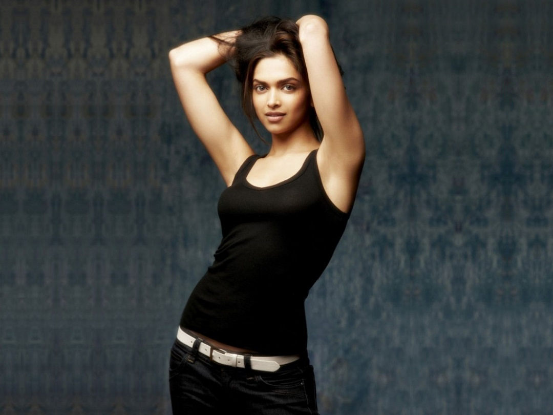 Deepika Padukone Photos hot
