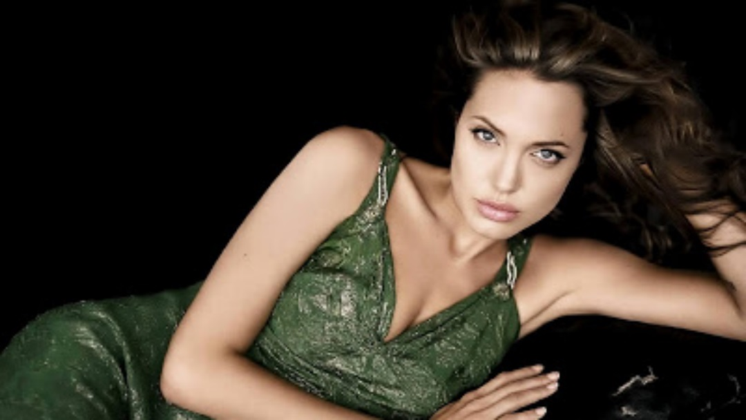 Hollywood Angelina Jolie Wallpapers
