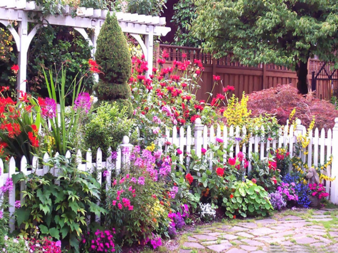 Beautiful flower garden and lawn ideas flowers wallpaper for Beautiful garden pictures