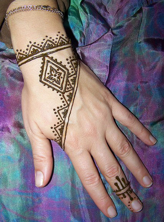 Best Eid Mehndi Designs (19)
