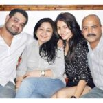anushka sharma wallpapers hd with family pictures