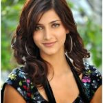 Shruti Haasan in Blue jeans