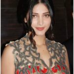 Shruti Haasan in Yellow Indian Saree
