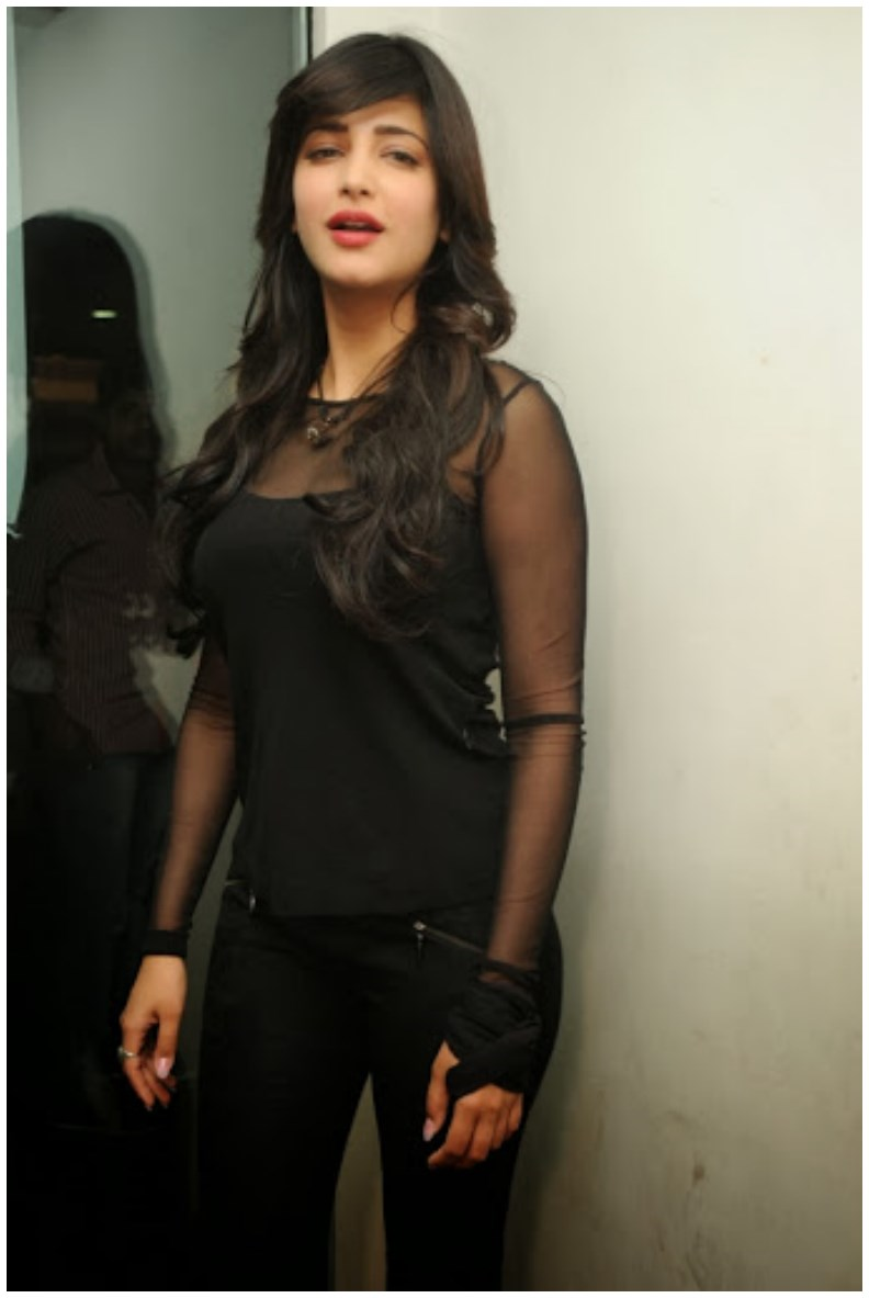 Shruti Haasan Hot pics