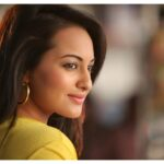 Sonakshi Sinha side pose picture