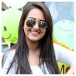Sonakshi Sinha stylish hair and sunglass pic