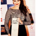 Sonakshi Sinha with award