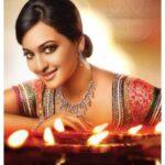 Sonakshi Sinha nice jewlery pic