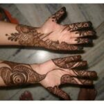 Lovely mehndi latest design