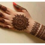 Stylish mehndi designs in pakistani