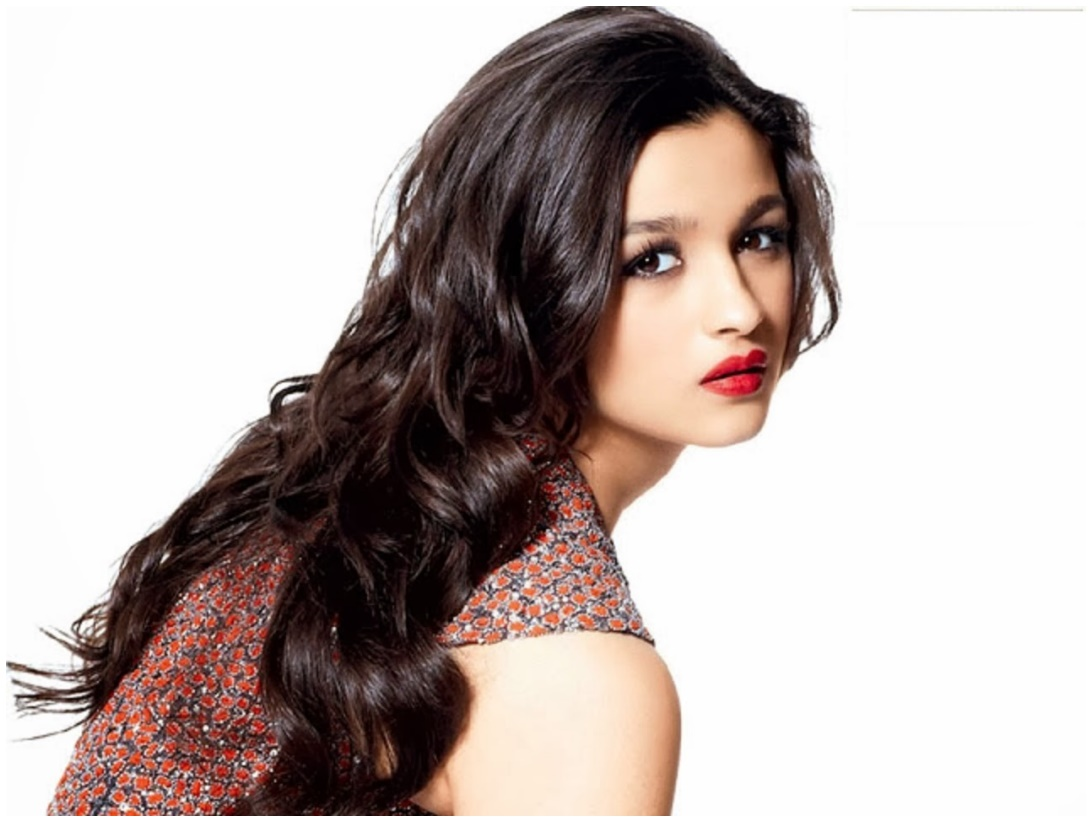 Alia Bhat Latest Wallpaper: Cute Actress Alia Bhatt HD Wallpapers Download