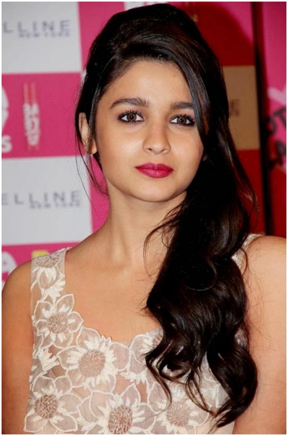 Cute Actress Alia Bhatt Hd Wallpapers Download  Hd Walls-1520