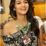Alia Bhatt Romantic Wallpapers