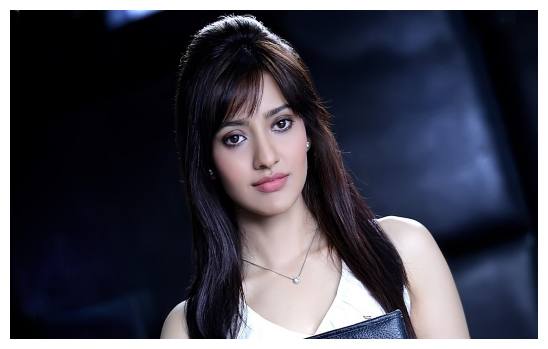 Hd wallpaper ladies - Model Actress Neha Sharma Hd Wallpapers Pictures