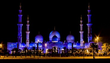 Sheikh Zayed Grand Mosque in Abu Dhabi Wallpapers