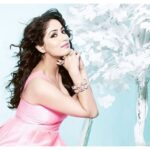 Famous & Cute actress Yami Gautam hd wallpapers
