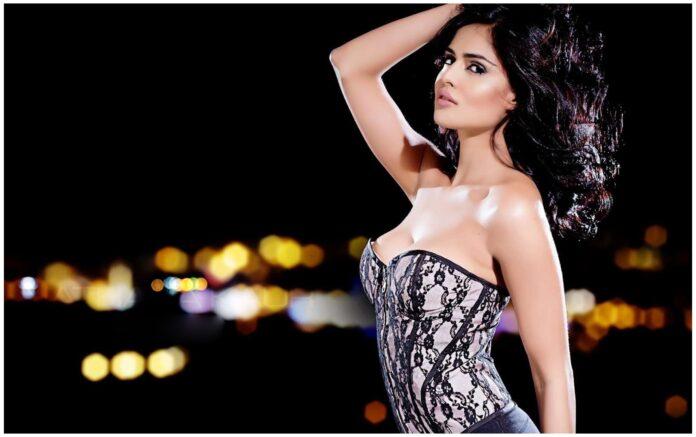 Latest Hot & Sizzling Photo's of Nathalia Kaur