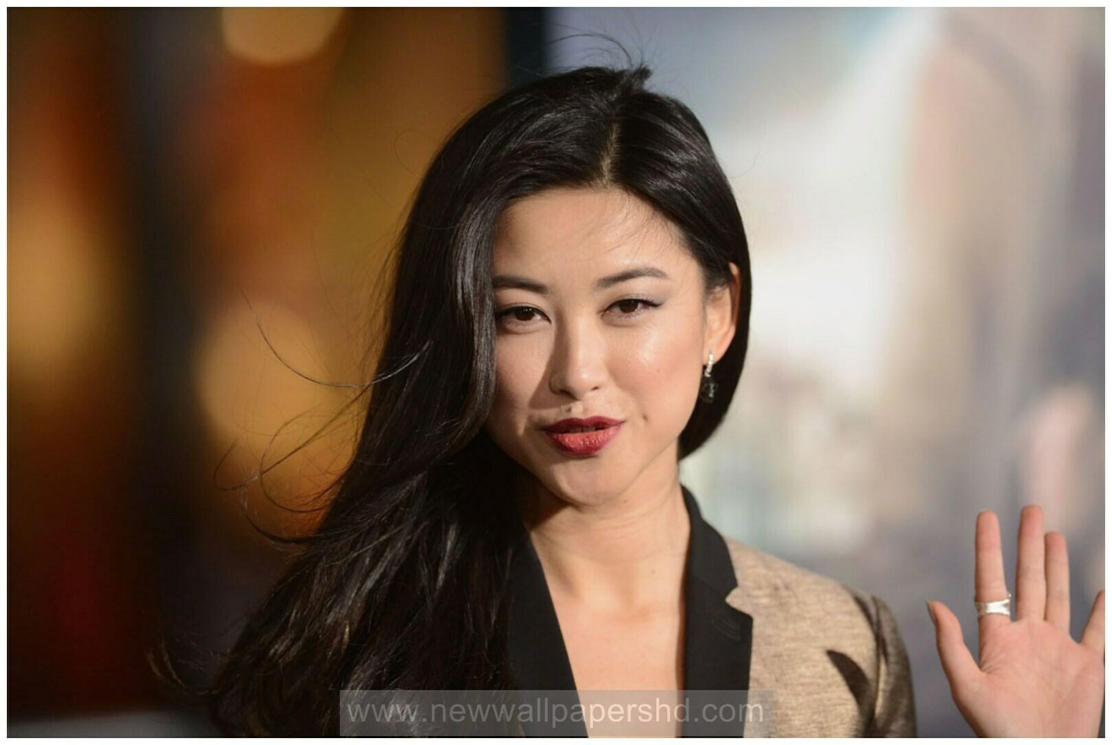 Chinese Actress Zhu Zhu Biography Profile Hd Wallpapers