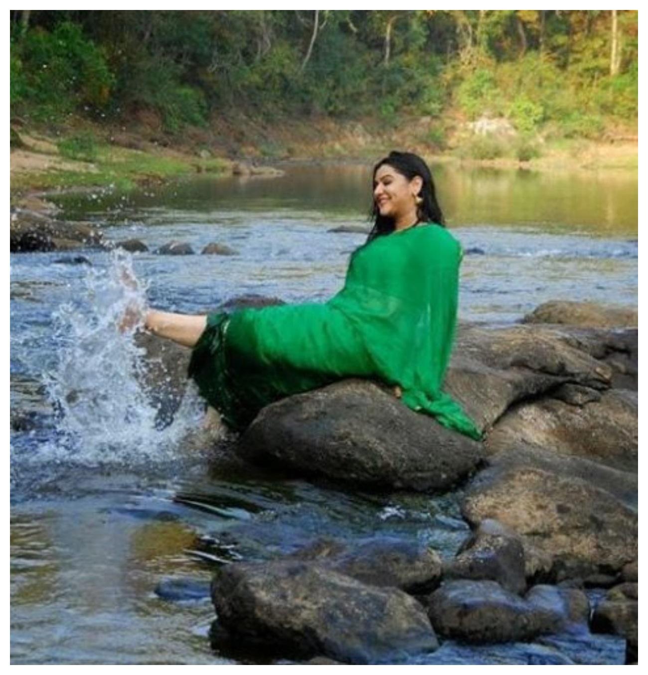 Aarthi Agarwal attitude photos