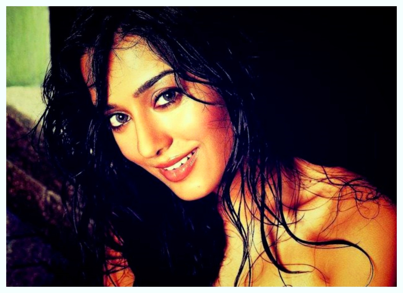 Actress Amrita Rao Very Beautiful free