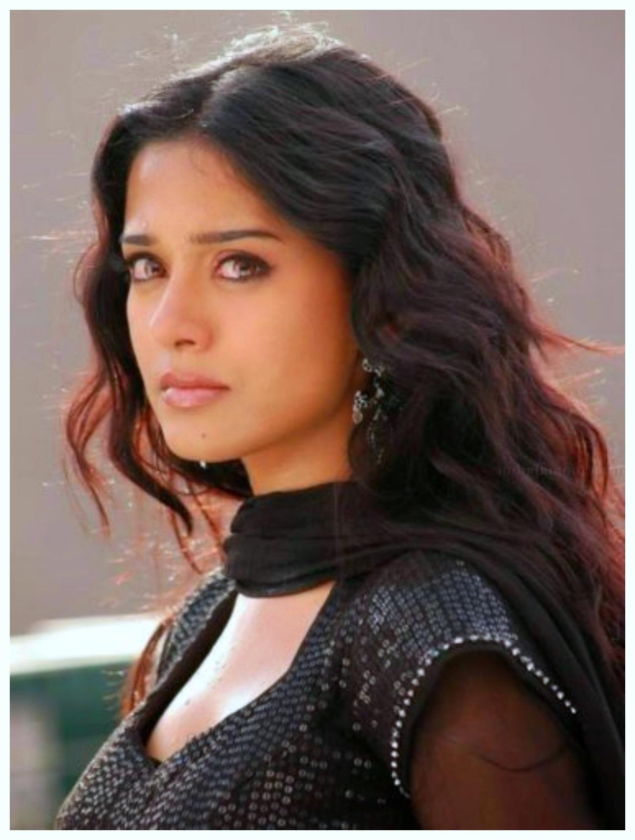 Amrita-Rao Green Saree Bara Blouse images