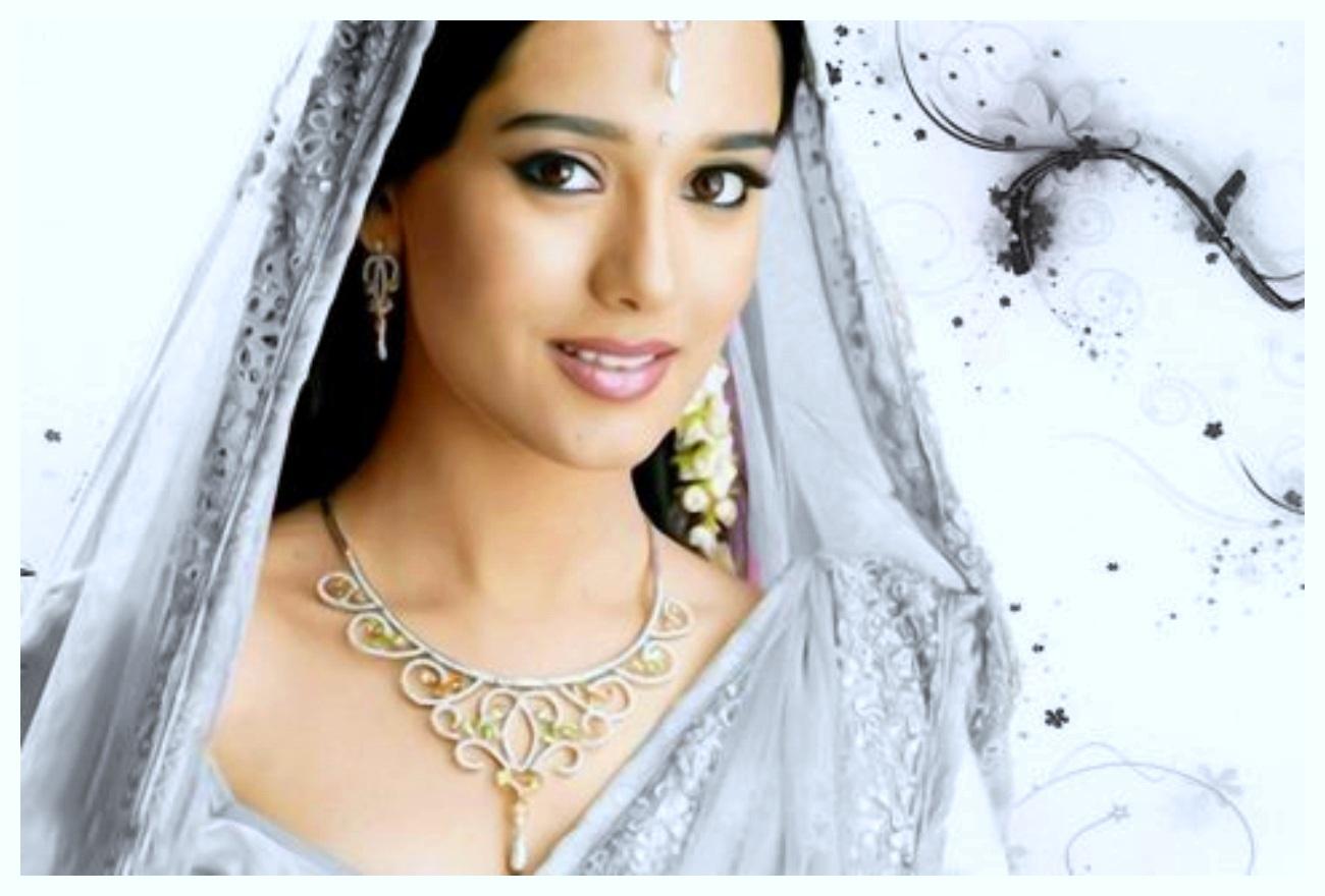 Amrita Rao wedding Photos