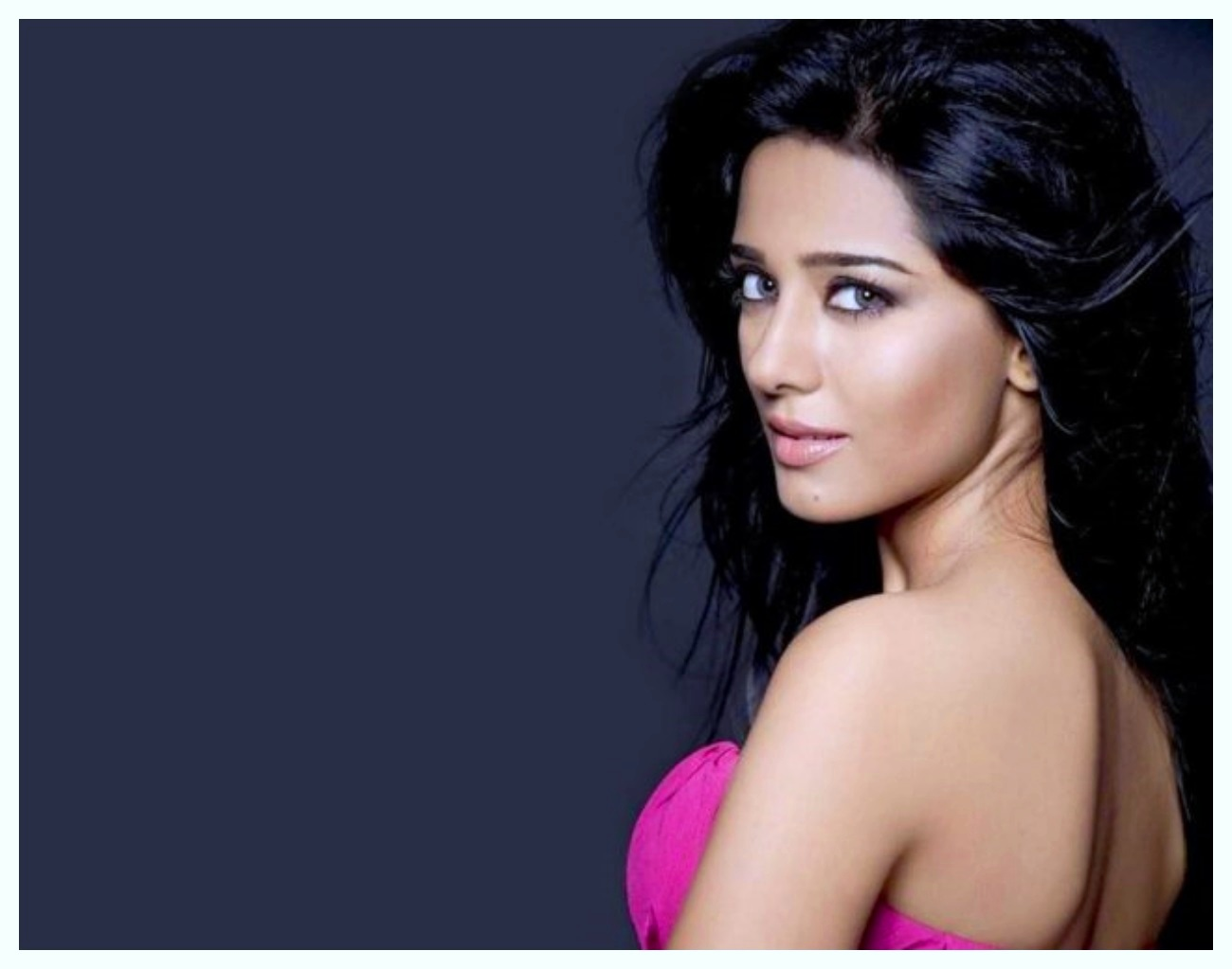 Amrita Rao Hot and innocent images