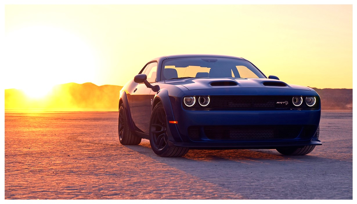 Dodge Challenger SRT Hellcat Widebody Wallpaper